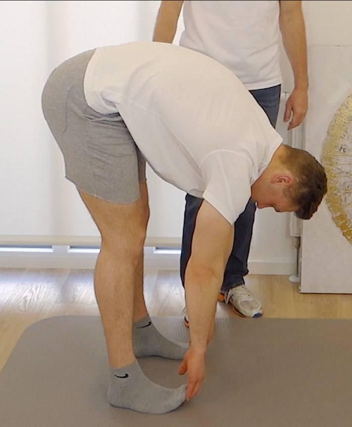 Dehung für den unteren Rücken bei Schmerzen